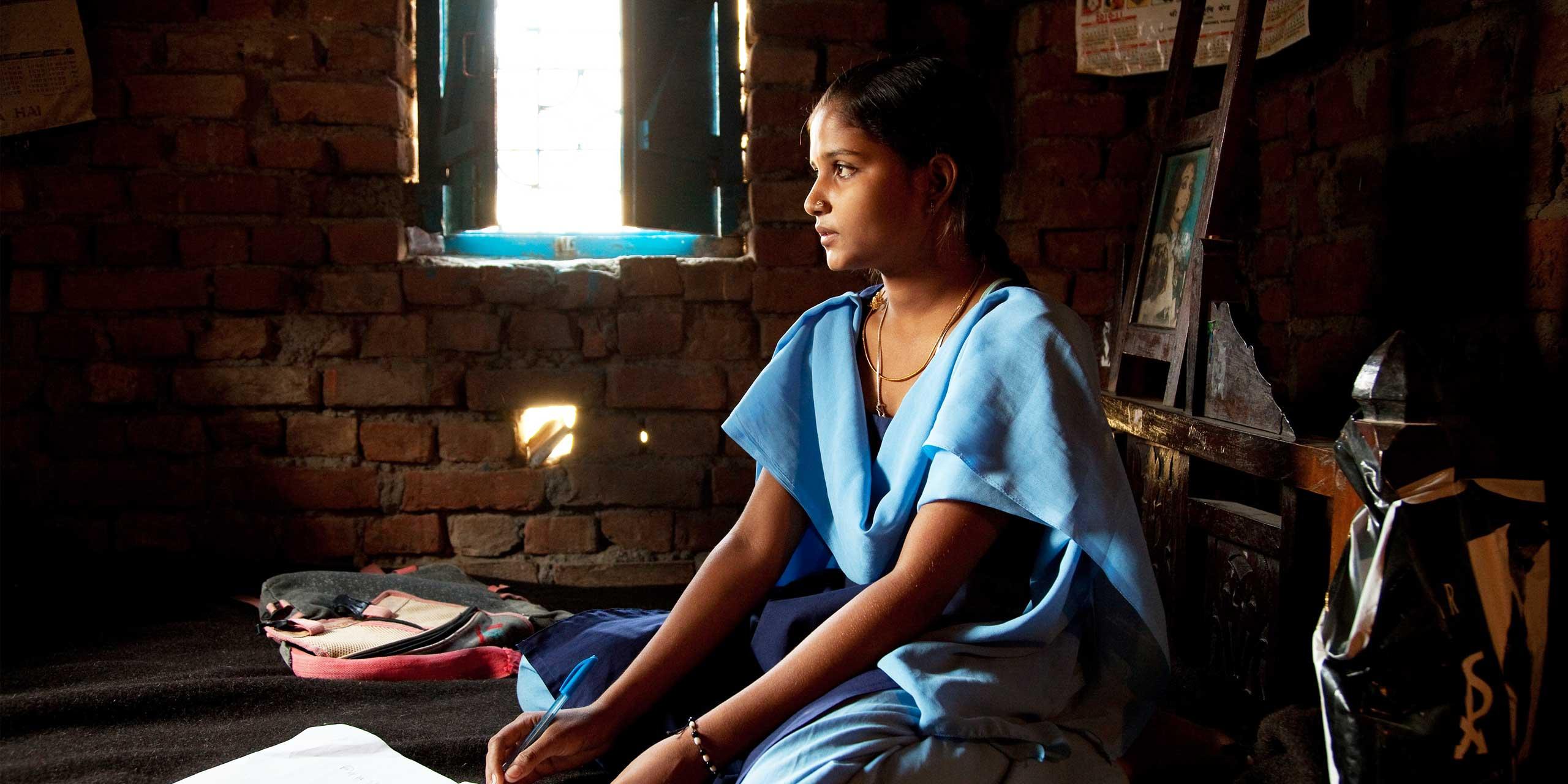 http://s12982.pcdn.co/wp-content/uploads/2014/02/educate-girls-sl1.jpg