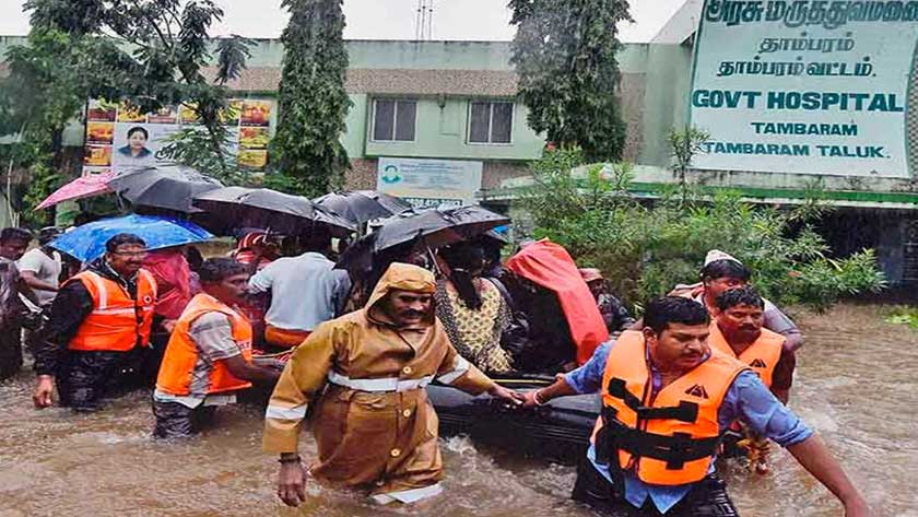 Hospital evacuation in Tamil Nadu, India due to flooding in 2017